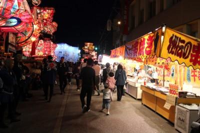 福野夜高祭りと賑わい